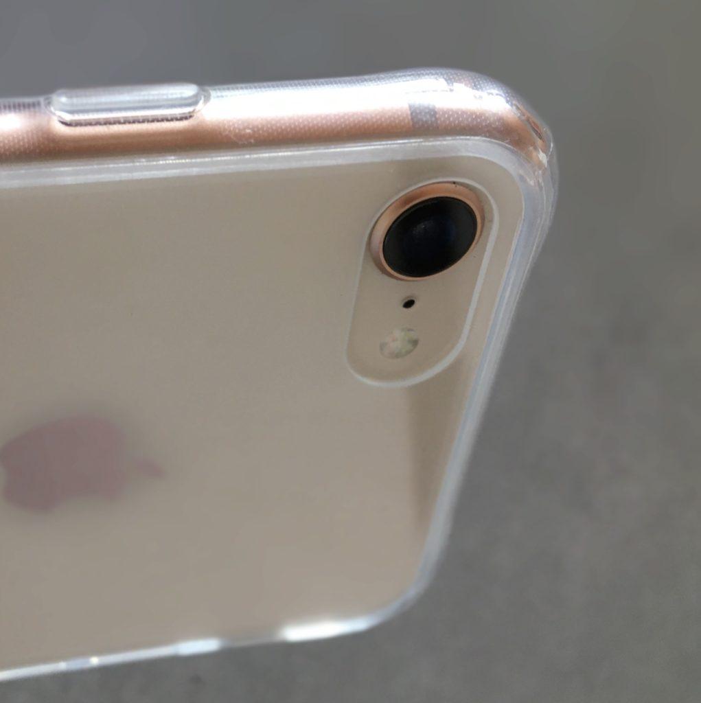 TOZOケース以外のケースを装着したときのiPhoneカメラレンズ周りの様子
